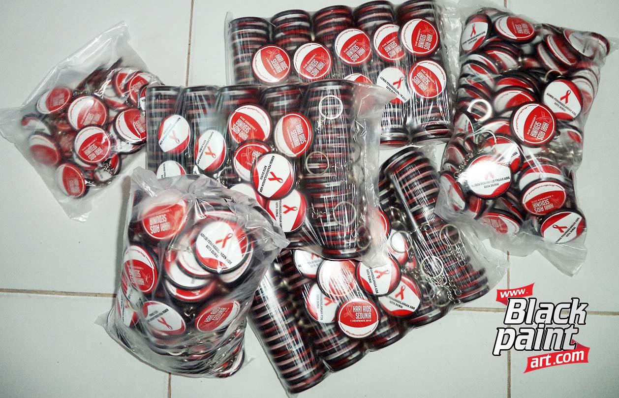 Blackpaint Art ini merupakan salah satu tempat cetak souvenir PIN di Pekanbaru.