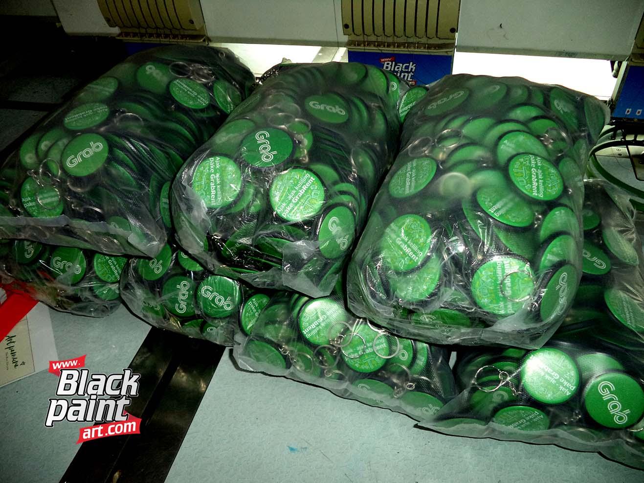 Blackpaint Art ini adalah salah satu tempat cetak PIN di Pekanbaru lho.
