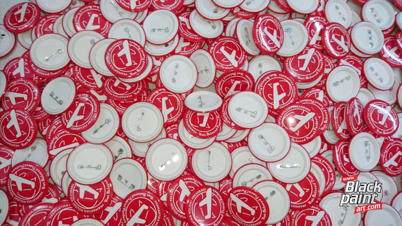 Bagi anda yang ingin bikin PIN (button) di Pekanbaru, anda bisa coba di di Blackpaint Art.