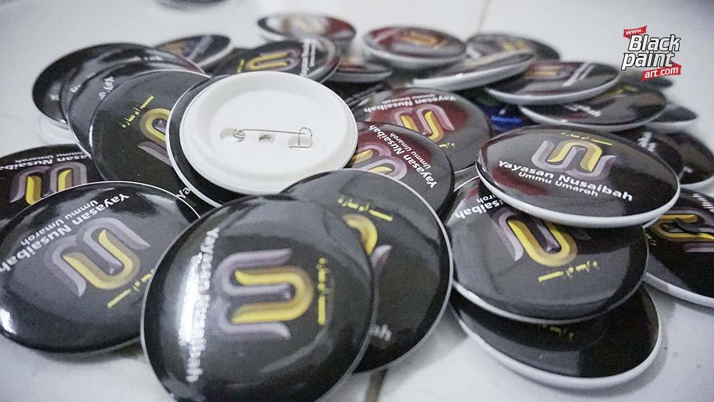 tempat cetak PIN di Pekanbaru, salah satunya adalah di Blackpaint Print Shop.